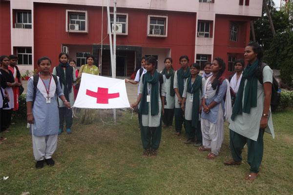 girls-volunteering-pgm-7